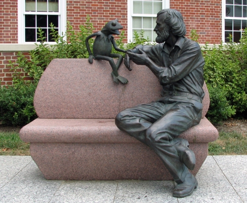 Statue.hensonumd